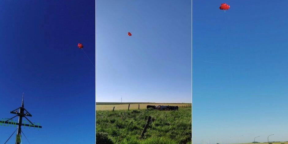 Feu d'artifice et ballons dans le ciel à Ecaussinnes : Les citoyens protestent contre le projet Boucle du Hainaut