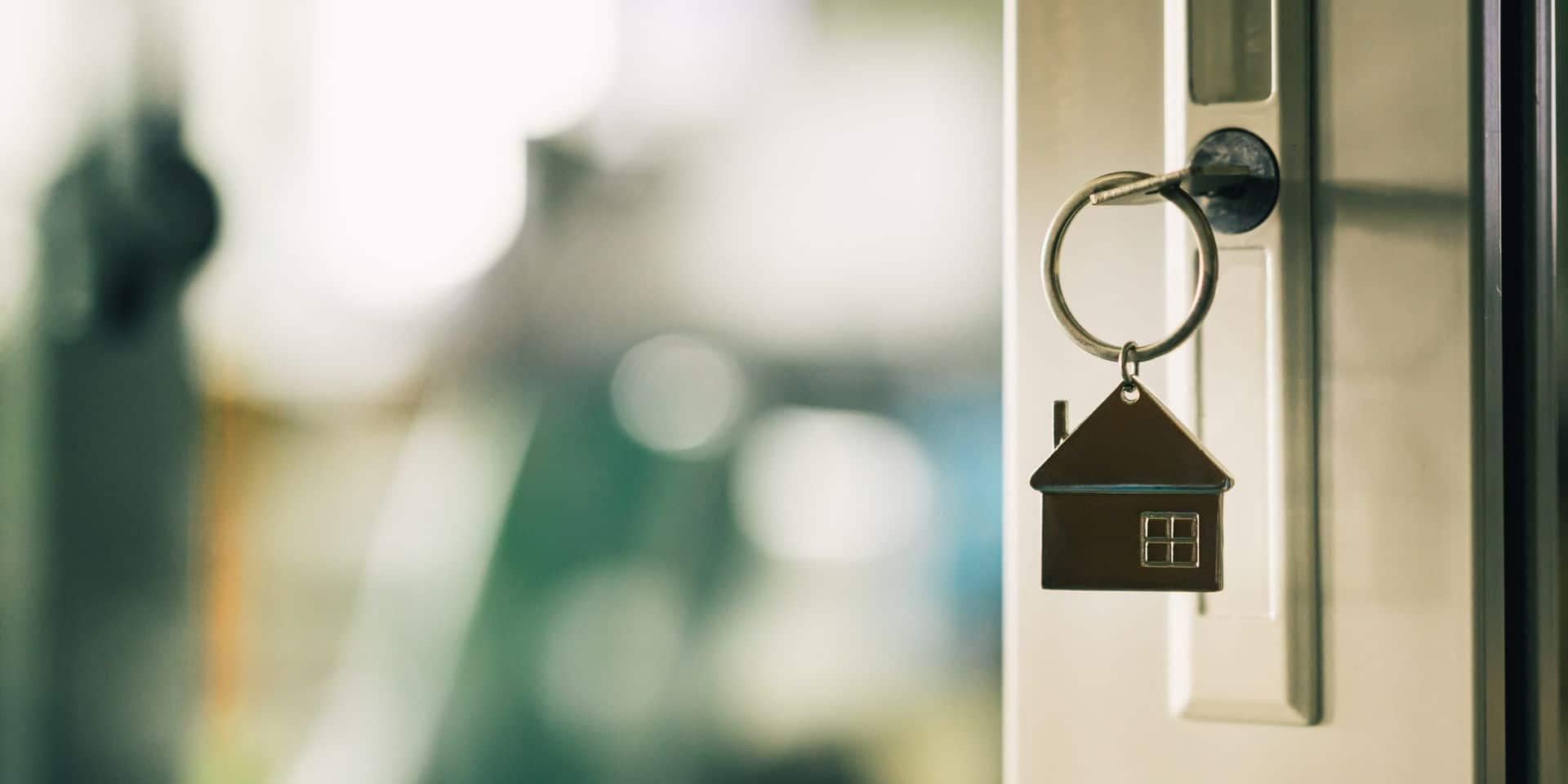 """Inquiétude sur le marché immobilier: """"Être propriétaire est devenu impayable pour les jeunes"""""""