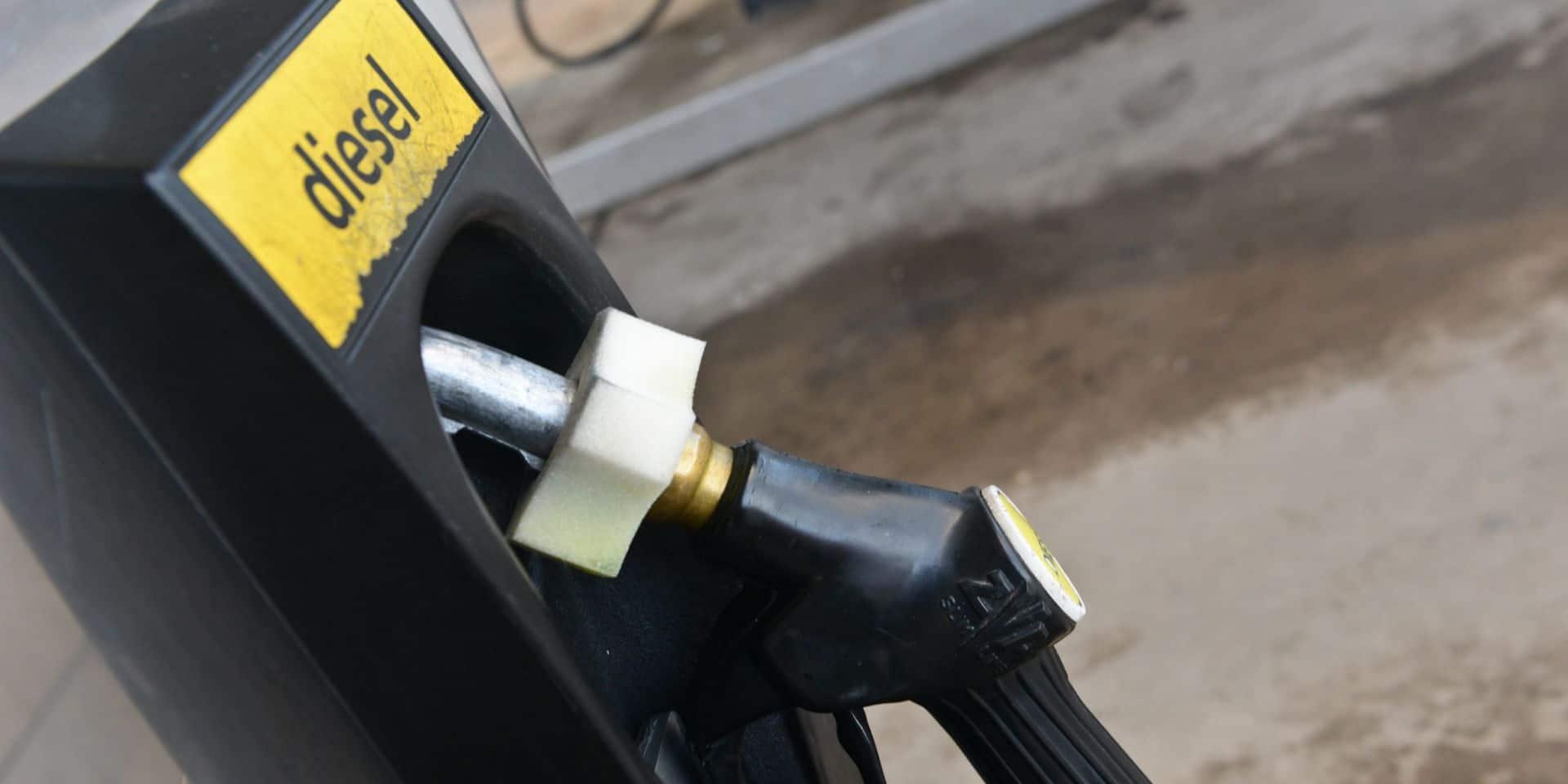 Mauvaise nouvelle: le plein de diesel plus cher à la pompe dès mardi
