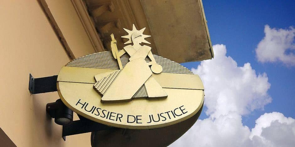 Walcourt : il menace l'huissier de justice venu saisir ses biens