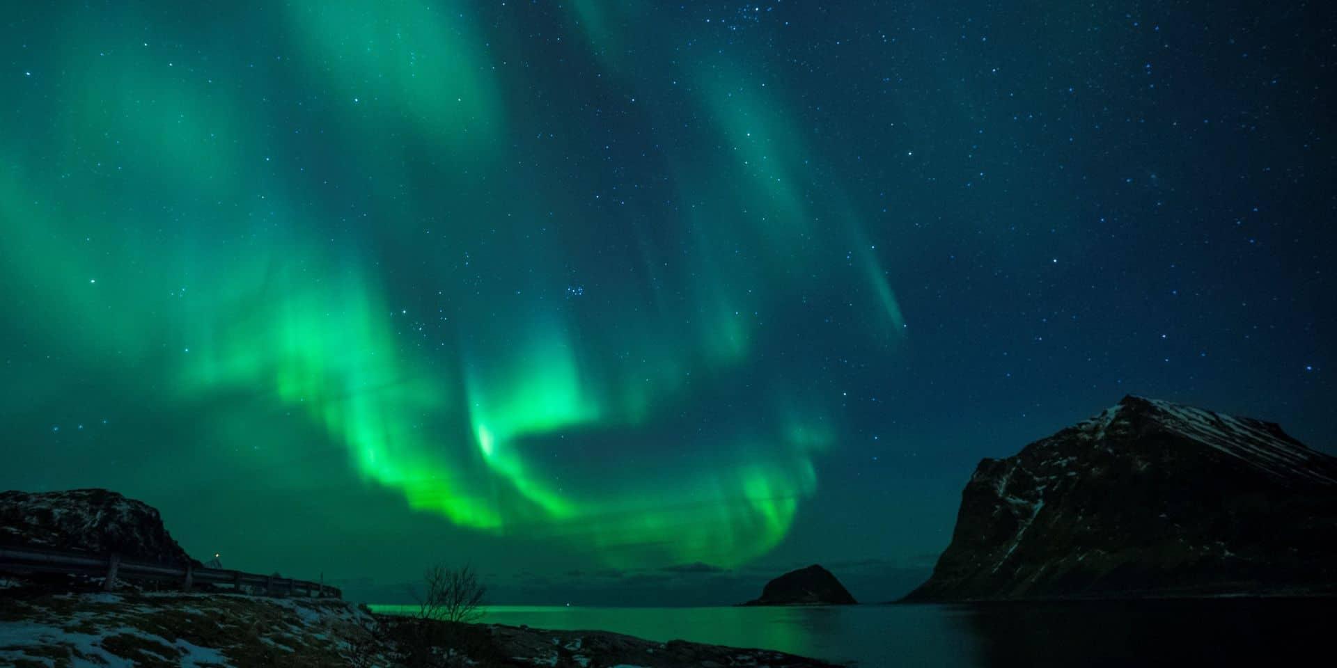 """Des aurores boréales observées aux Pays-Bas: """"Il y a de fortes chances pour que le phénomène se multiplie"""" (PHOTOS)"""
