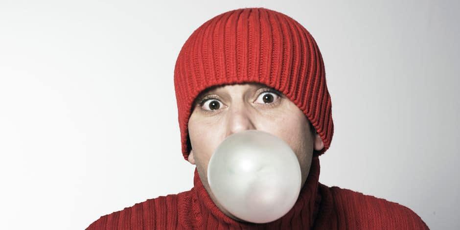 Mâchez du chewing-gum en marchant pour perdre du poids
