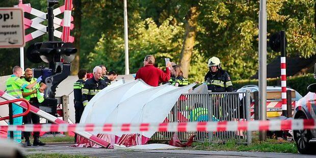 Pays-Bas: 4 enfants tués et deux blessés graves dans un accident entre un train et un vélo triporteur - La DH