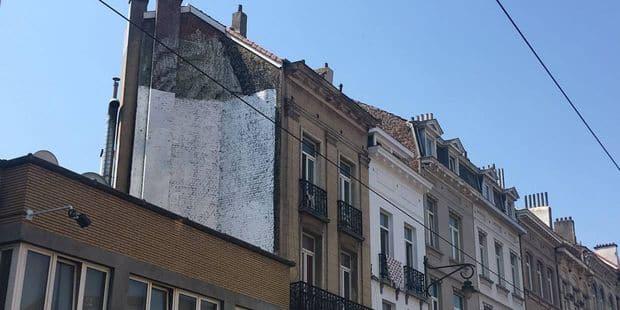 Saint-Gilles : La fresque du zizi a été effacée - La DH