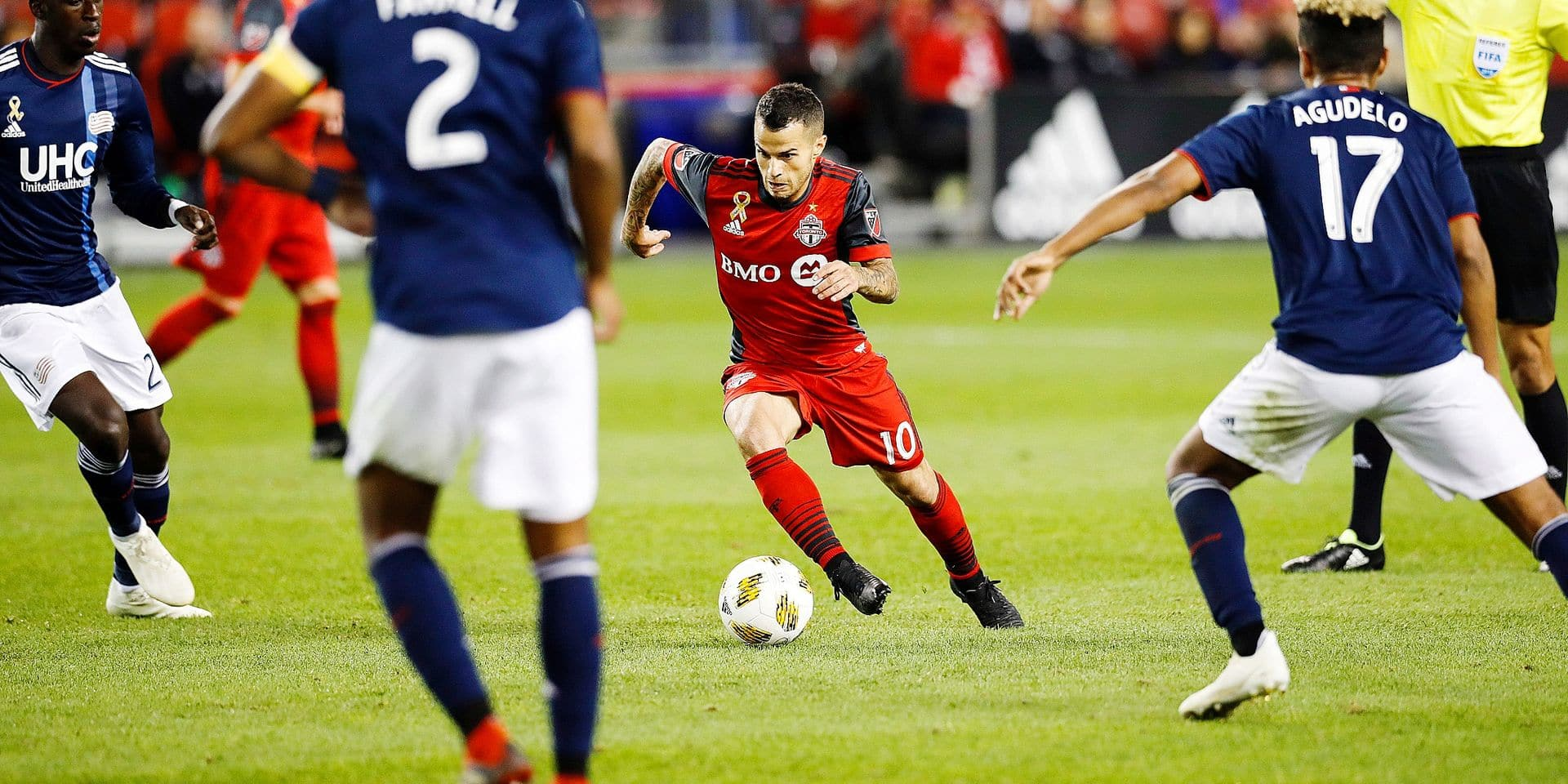 Toronto FC's Sebastian Giovinco moves the ball against the New England Revolution during the first half of a MLS soccer game, Saturday, Sept. 29, 2018 in Toronto. (Mark Blinch/The Canadian Press via AP)