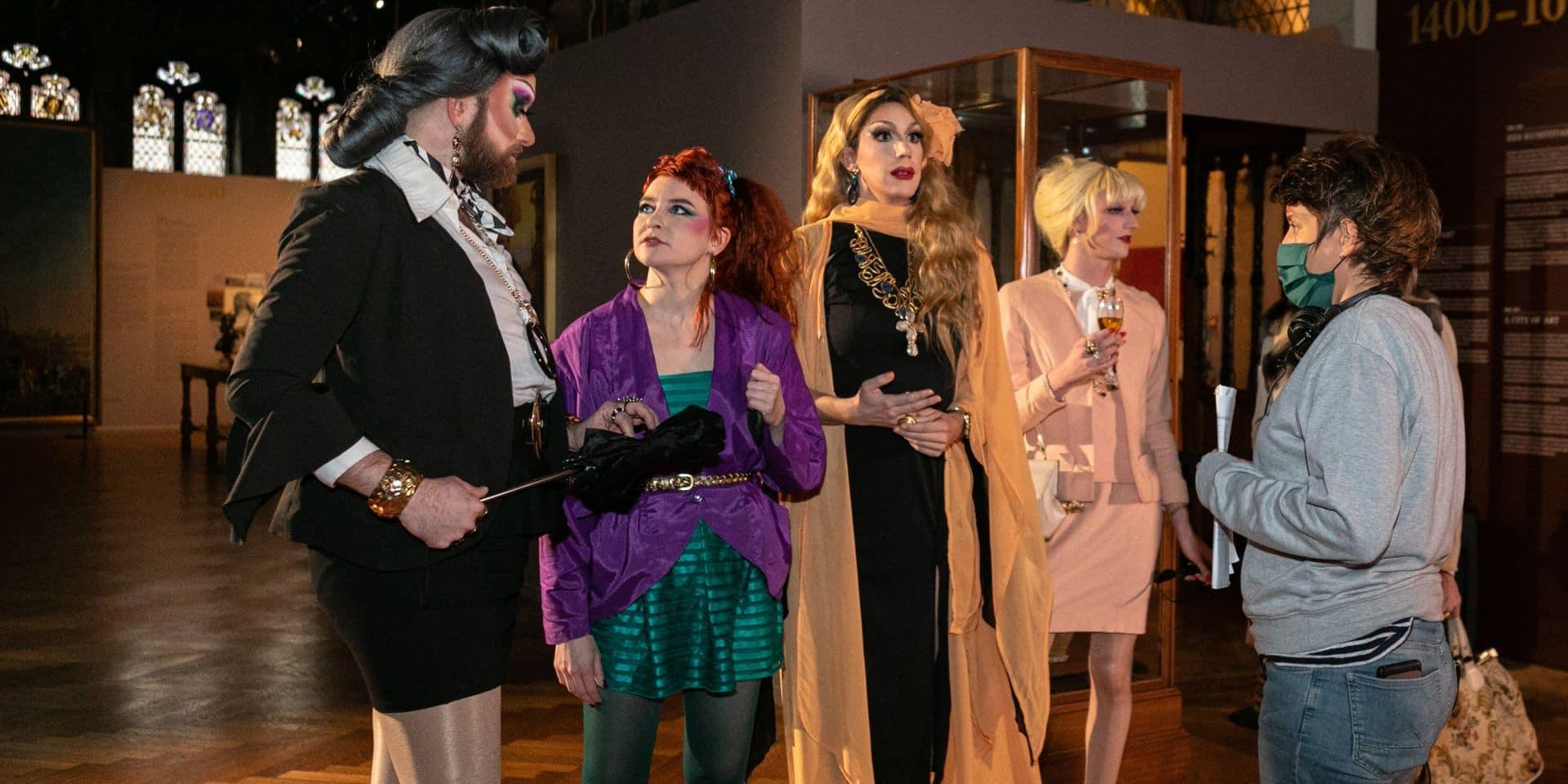 """""""De l'absurde, du glamour et de l'humour"""", le cabaret Mademoiselle dépoussière les musées de la Ville de Bruxelles dans des petites vidéos"""