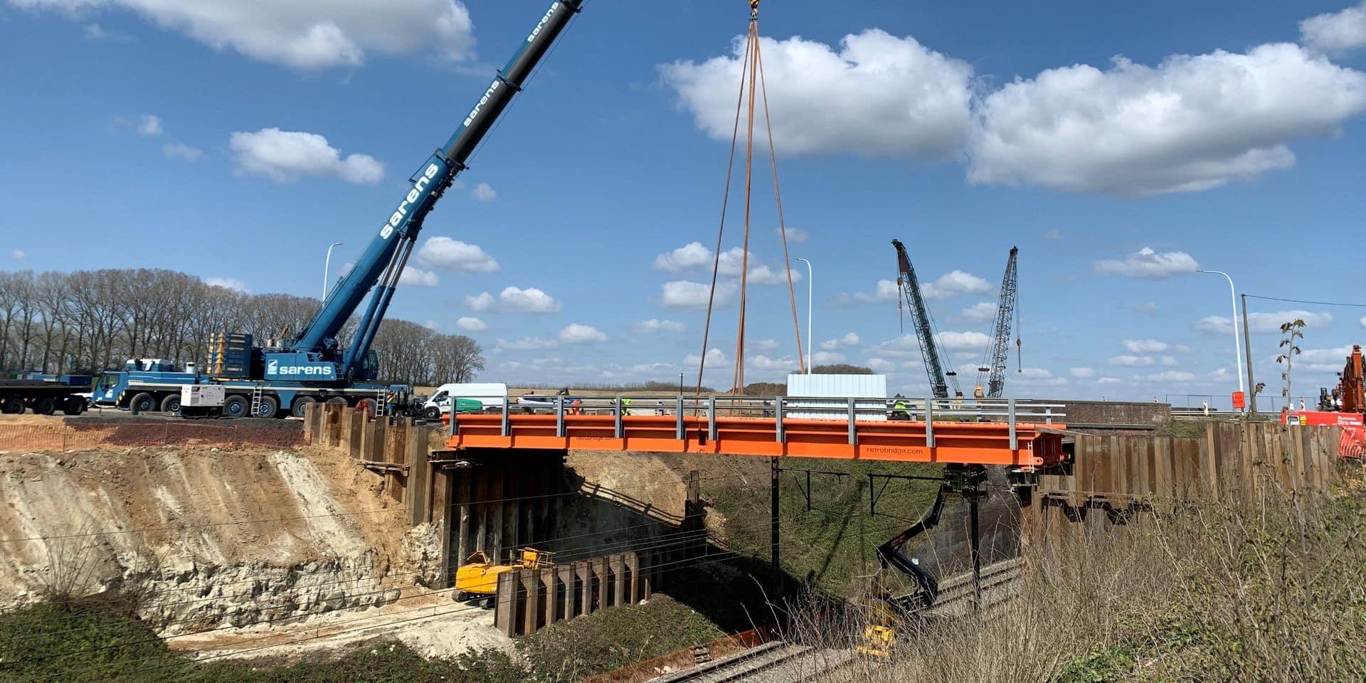 Chantier RER: un pont provisoire placé chaussée de Bruxelles à Baulers