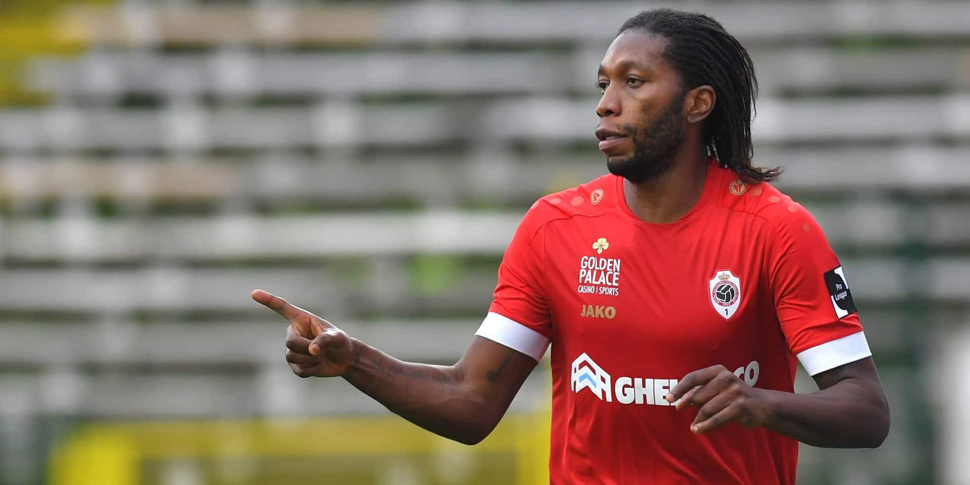 """A l'heure de retrouver Anderlecht, Dieumerci Mbokani est-il fini ? """"Il a plus de droits mais il doit resigner"""""""