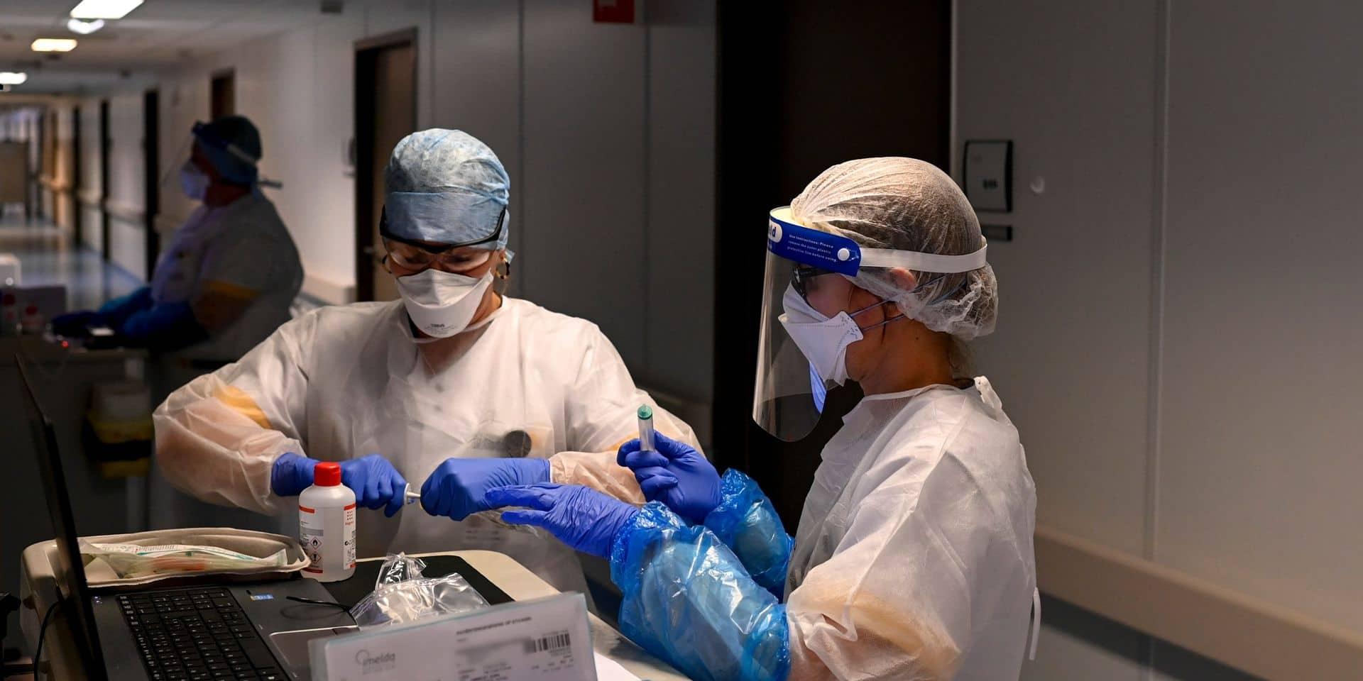 Coronavirus : les contaminations continuent de grimper, hausse de la moyenne des décès