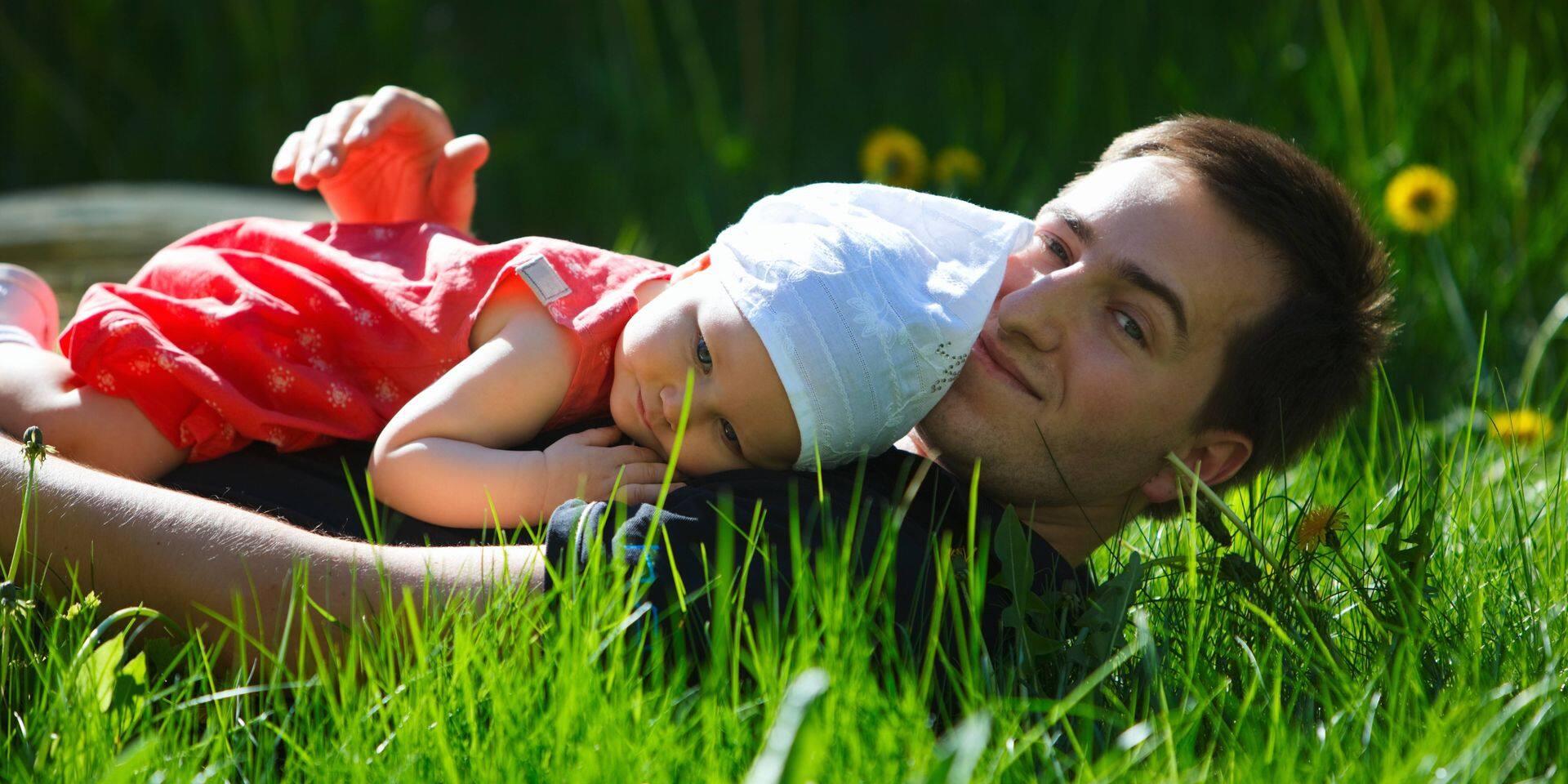 Un congé de paternité de 15 semaines : et si on osait ?