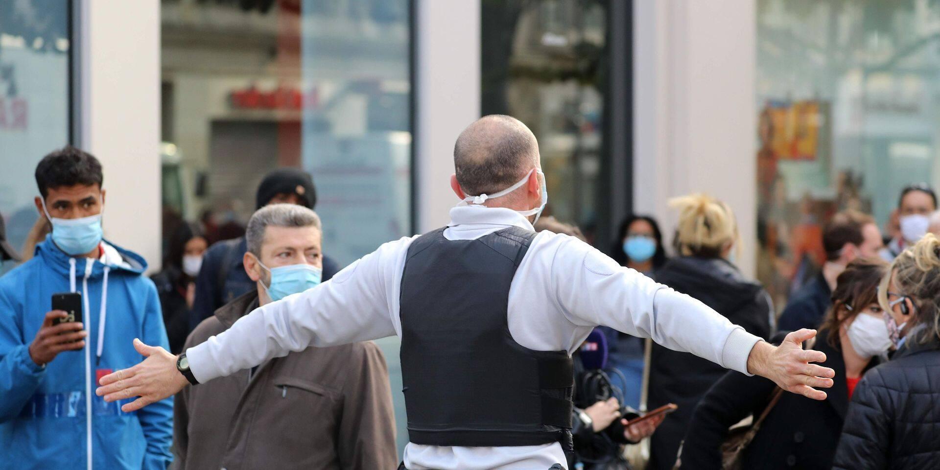 Nouvelle attaque au couteau à Paris: un homme attaque des policiers en pleine rue, il est neutralisé