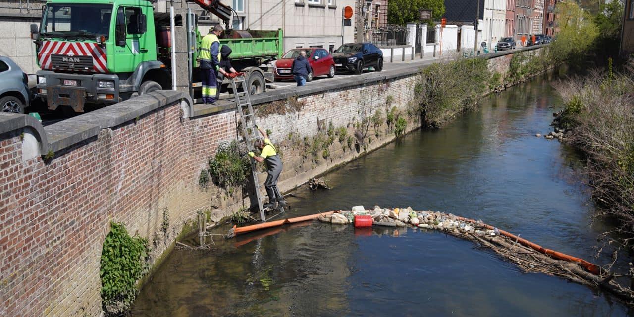 De moins en moins de déchets retenus dans les barrages flottants sur la Dyle à Wavre