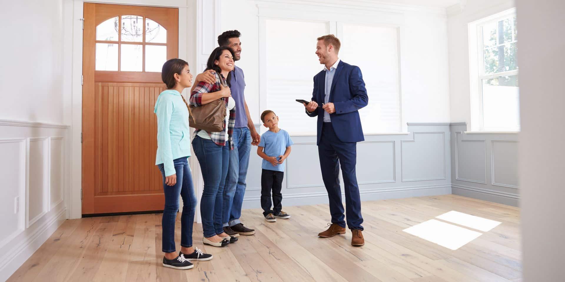 """C'est la folie sur le marché immobilier: """"On vend quasi tous nos biens en une journée!"""""""