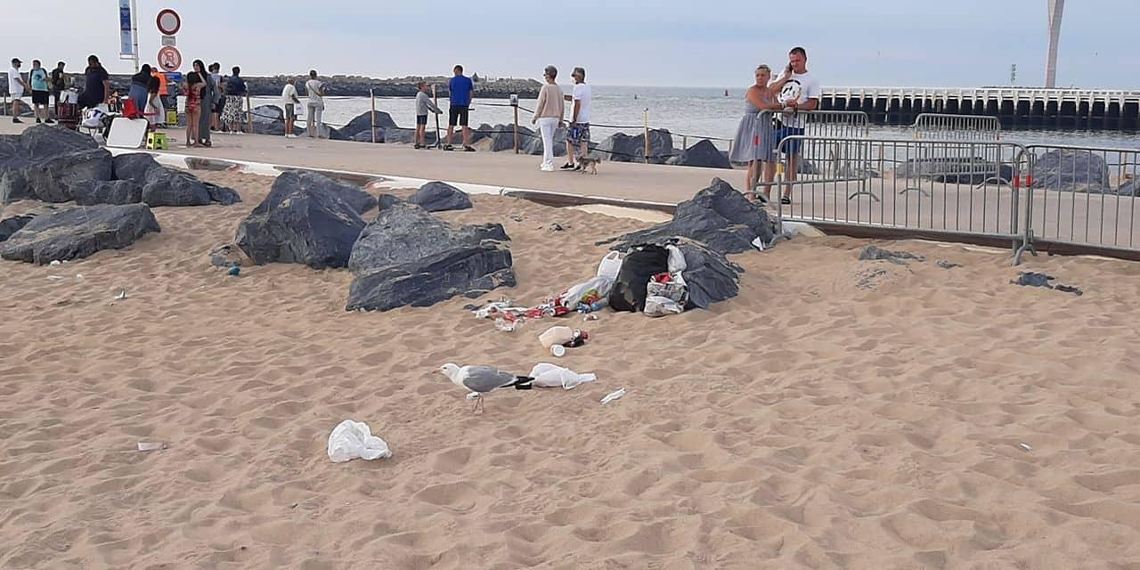 """La plage d'Ostende ravagée par les déchets samedi soir: """"C'était une zone de guerre"""""""