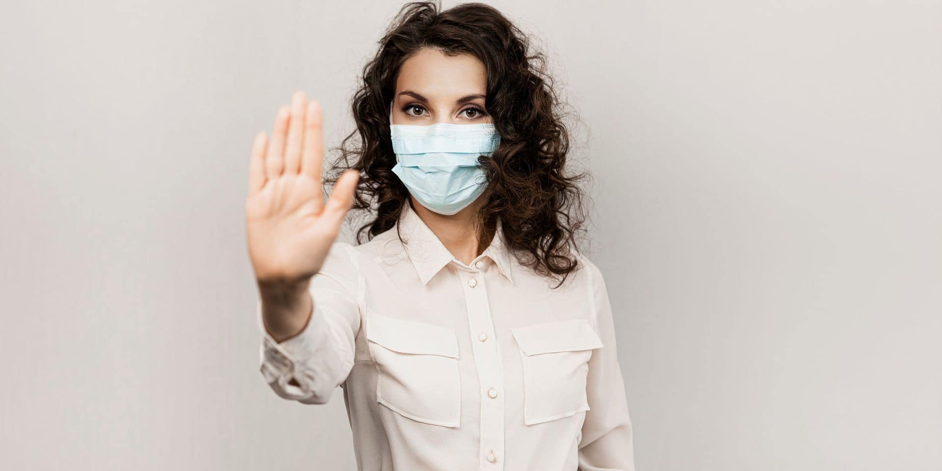 Le coronavirus se propage-t-il par la parole? Une nouvelle étude apporte des réponses