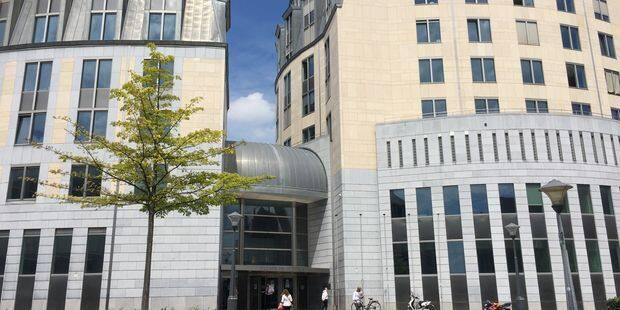 Liège : Refusé à l'entrée, il menace les videurs - La DH
