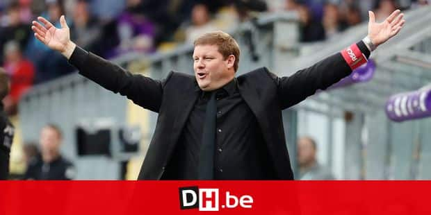 Anderlecht's head coach Hein Vanhaezebrouck gestures during the Jupiler Pro League match between RSC Anderlecht and Club Brugge, in Brussels, Sunday 15 April 2018, on day three of the Play-Off 1 of the Belgian soccer championship. BELGA PHOTO VIRGINIE LEFOUR