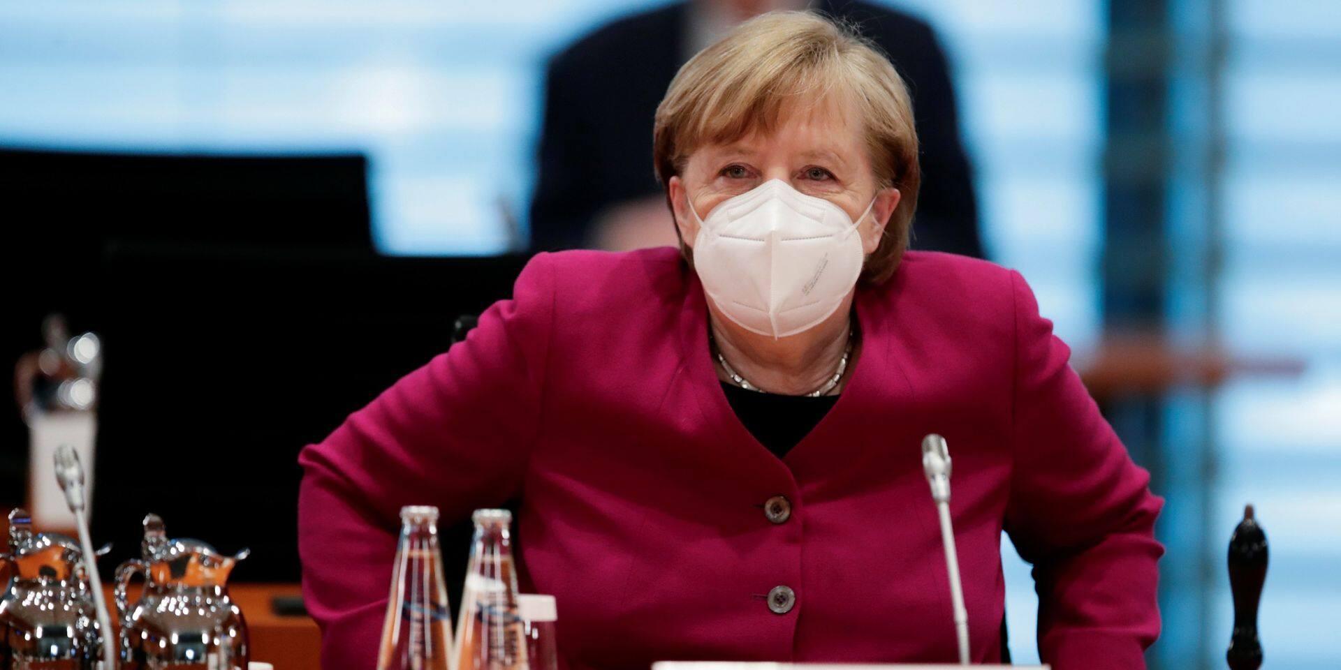 """Face à la """"pression menaçante"""" sur les hôpitaux, Angela Merkel évoque un """"court verrouillage"""" dans toute l'Allemagne"""