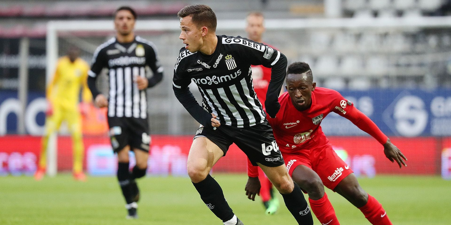 Charleroi's Gaetan Hendrickx and Eupen's Sulayman Marreh fight for the ball during a soccer game between Sporting Charleroi and KAS Eupen, Saturday 18 May 2019 in Charleroi, on the tenth and last day of the Play-off 2B of the 'Jupiler Pro League' Belgian soccer championship. BELGA PHOTO VIRGINIE LEFOUR