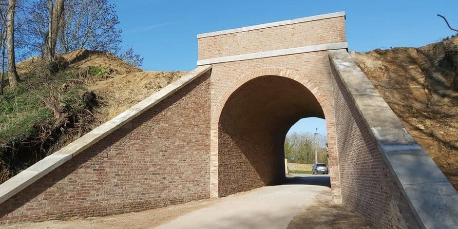 Réhabilitation de la ligne 106 à Écaussinnes : Les travaux du pont Waugenée débutent