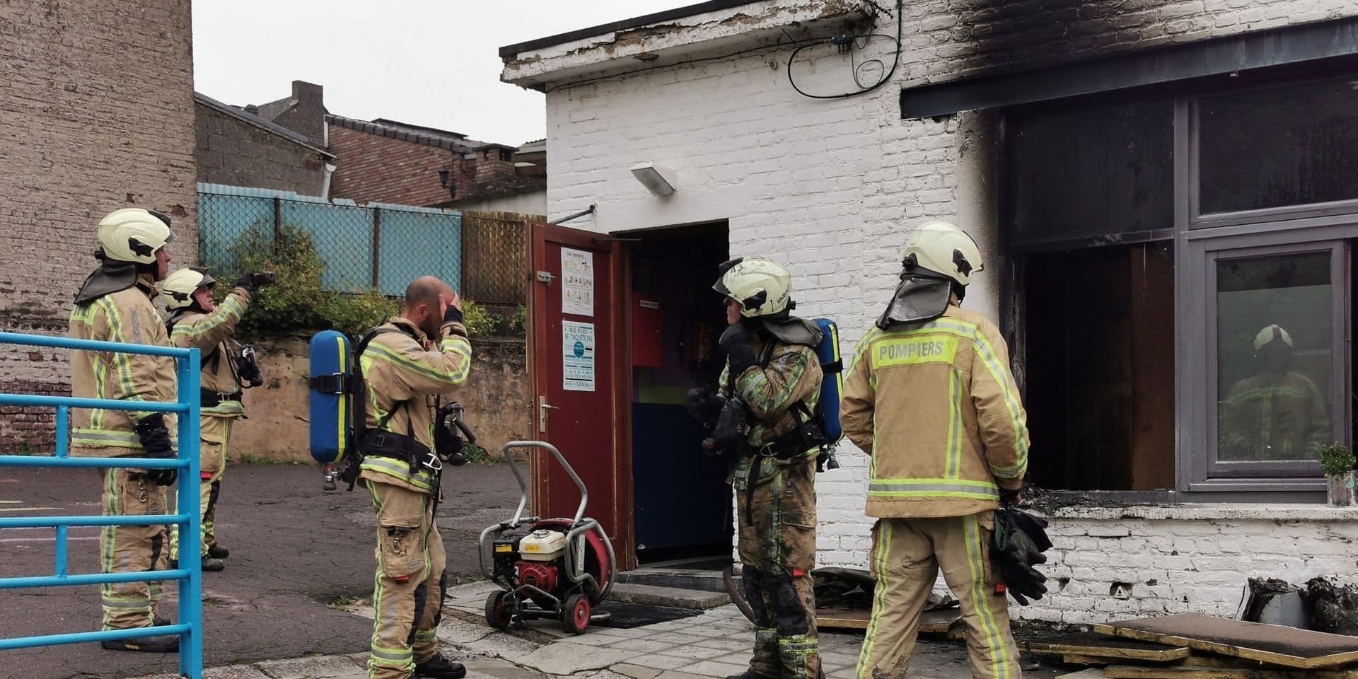 Le bureau de la direction de l'école de la Solidarité à Montignies-sur-Sambre touché par un incendie