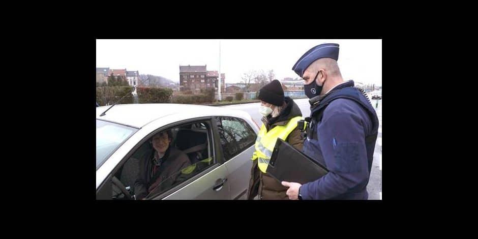 """Télé: Jean Barbera contrôlé dans En route avec la police locale : """"J'aimerais bien faire A prendre ou à laisser""""."""