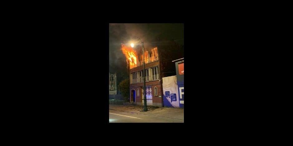 Une maison inhabitée en flammes à Berchem-Sainte-Agathe