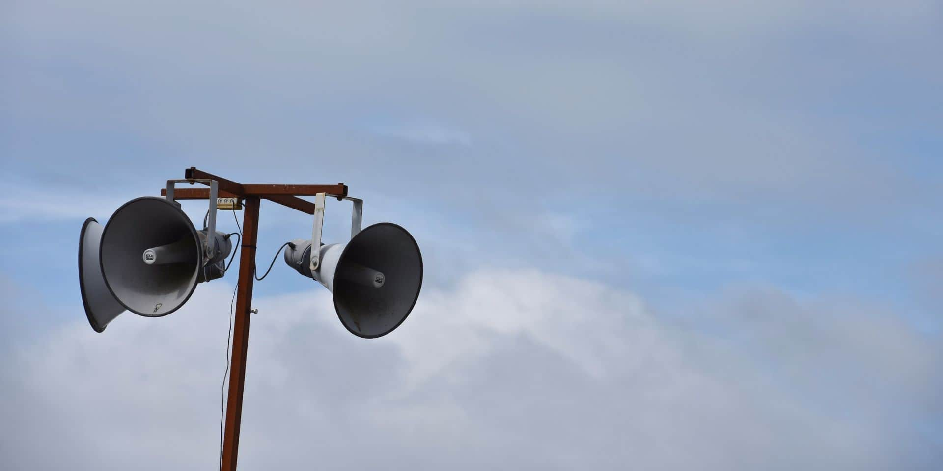 Seneffe : les sirènes Seveso démontées, la population s'inquiète pour les personnes âgées