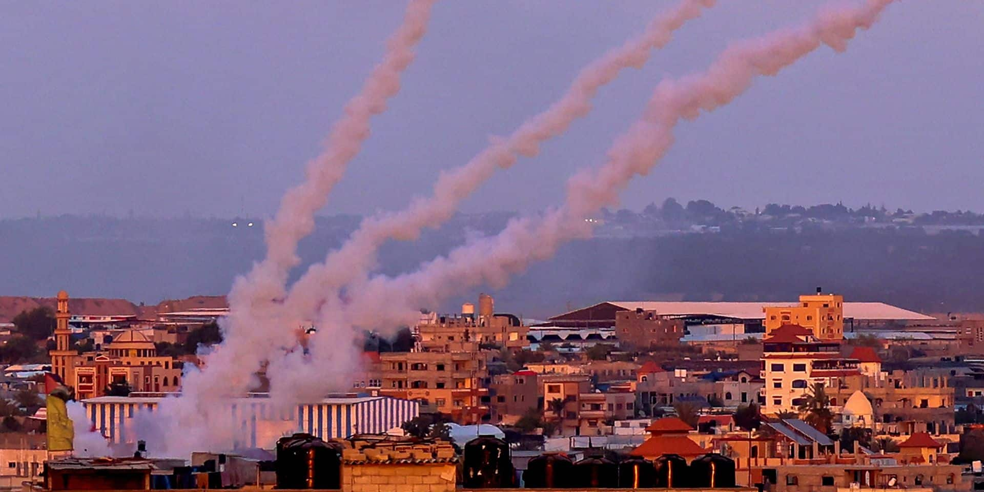 """Les conflits continuent: tirs de roquettes depuis le Liban vers Israël qui riposte, Biden a exprimé """"son soutien"""" un cessez-le-feu à Netanyahu"""