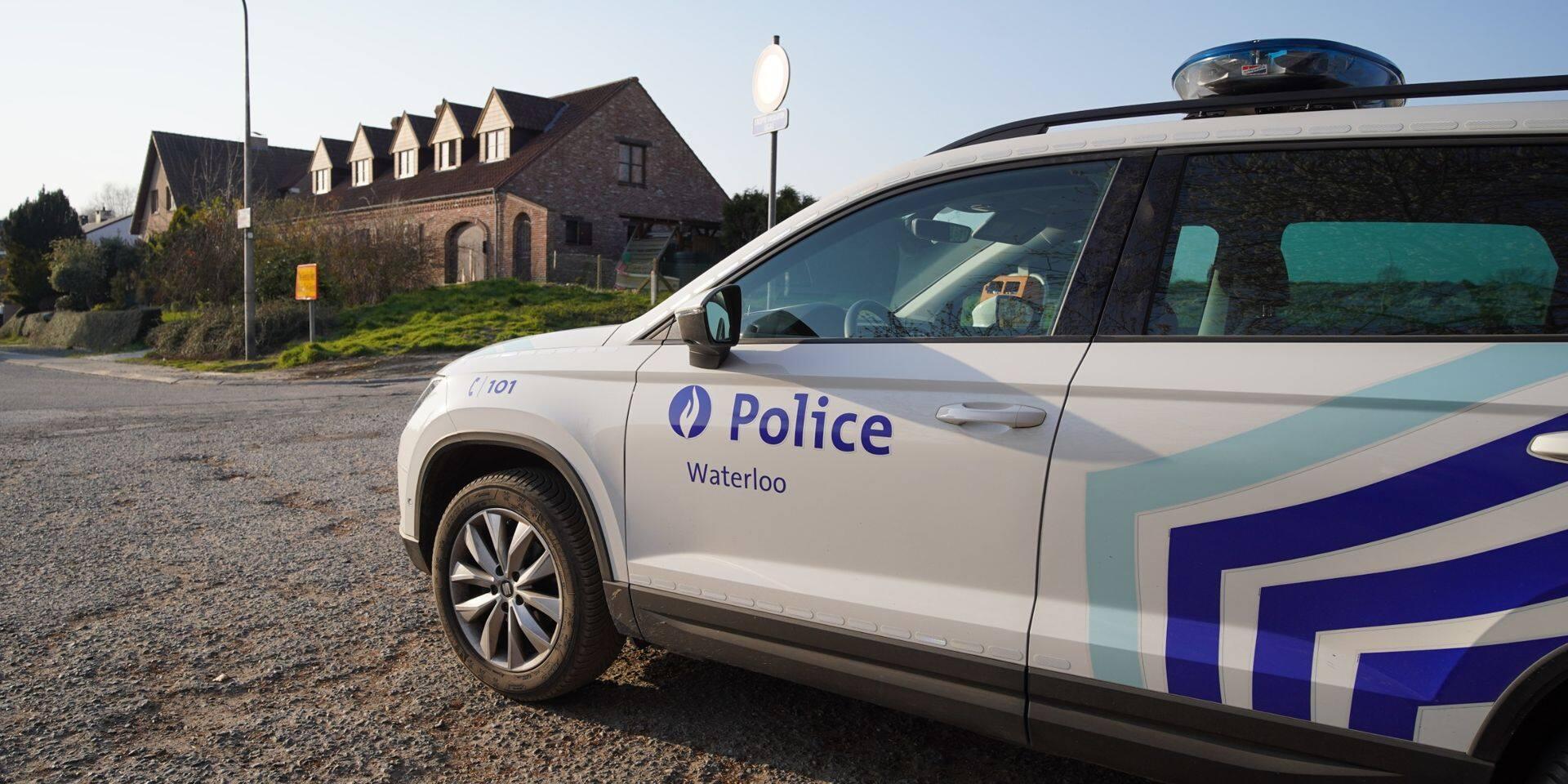 Les policiers interrompent un rassemblement d'une trentaine de fêtards à Waterloo