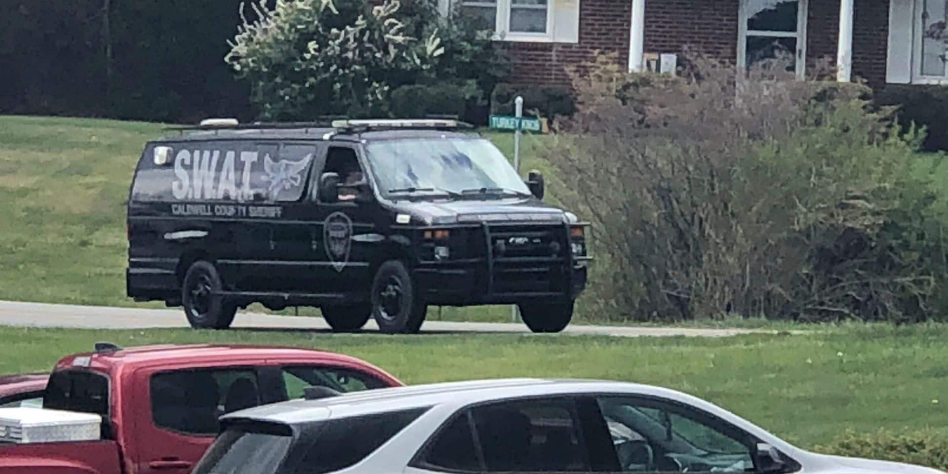 USA: quatre personnes, dont deux policiers, tuées par un homme retranché