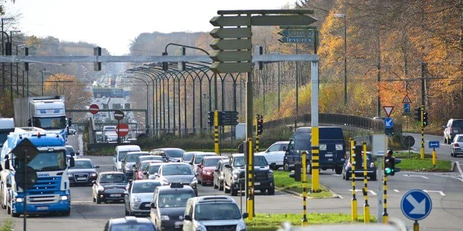 Woluwe-Saint-Lambert : une motion adoptée pour demander de renoncer à la réduction du carrefour des Quatre Bras