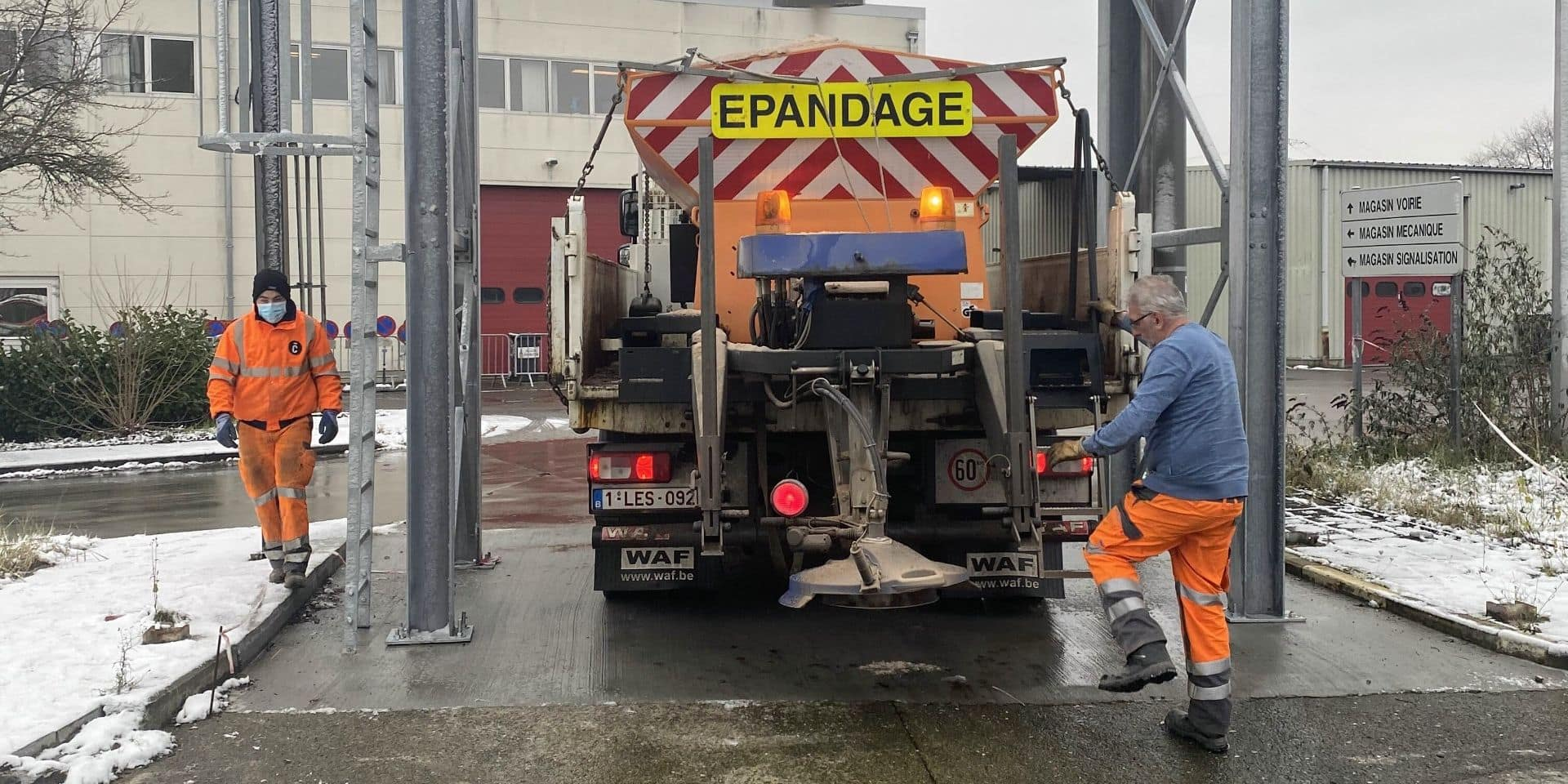 360 tonnes de sel sur les routes de Charleroi depuis le 1er janvier