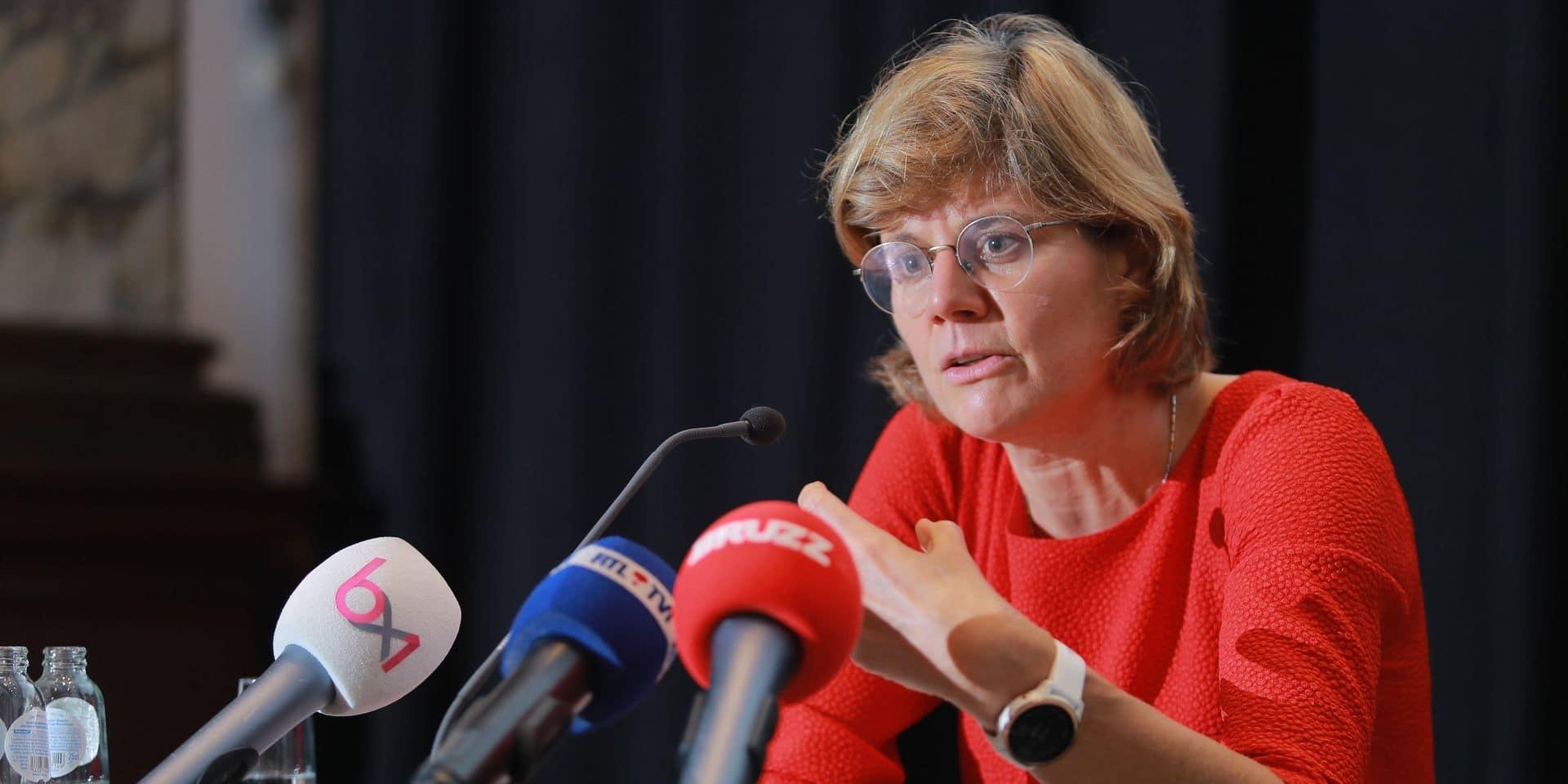"""Malgré la menace du pass sanitaire, la vaccination à Bruxelles n'augmente toujours pas: """"Je crains que l'on rencontre des difficultés durant l'hiver"""""""
