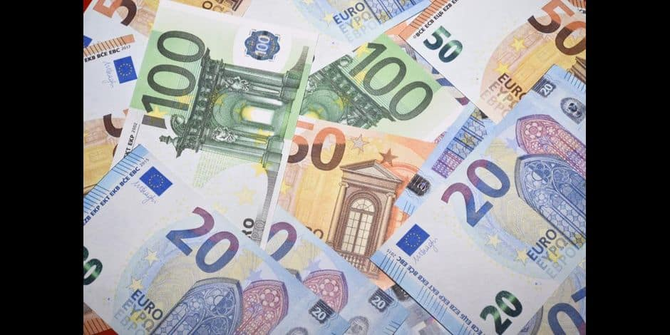 Acculé par des dettes de drogue, il tente de fourguer des faux billets de 50 euros obtenus sur le dark net