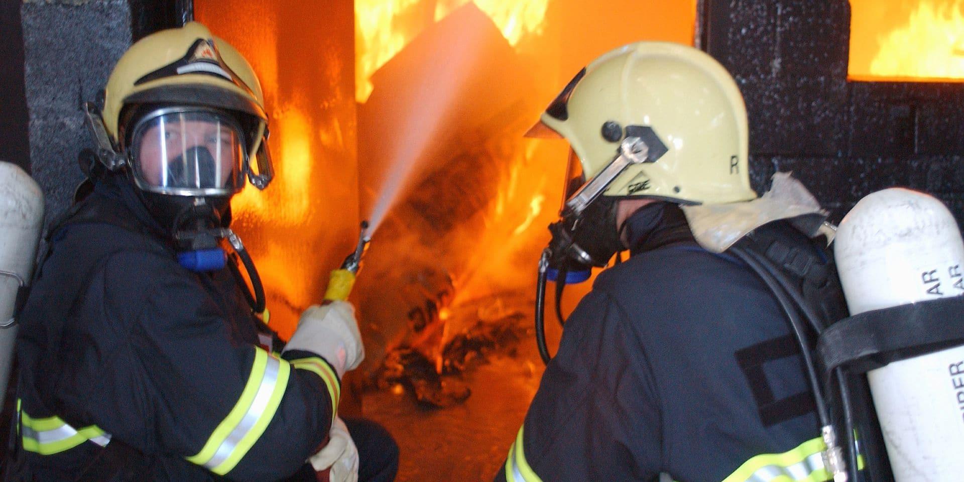 Une menuiserie part en fumée à Blegny
