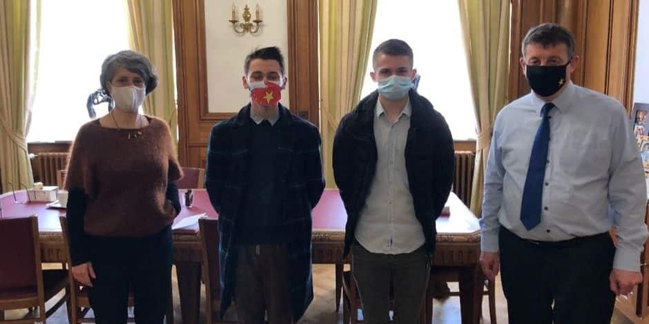 Les jeunes étudiants ont rencontré le bourgmestre de Tournai et Coralie Ladavid